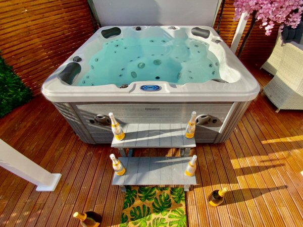 Hop in to the hot tub!