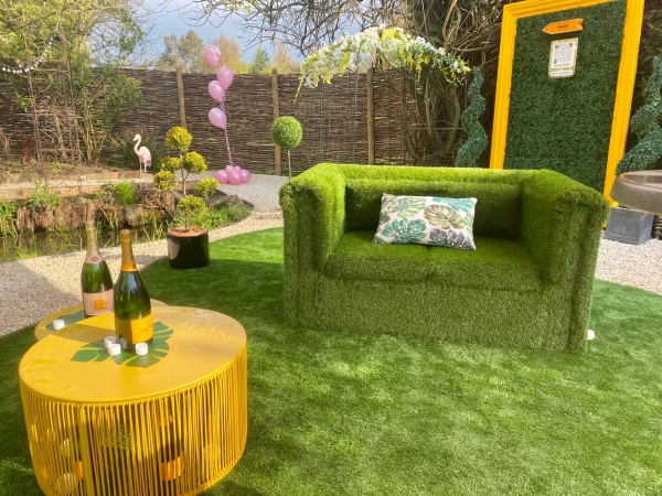 Champers on the Lawn